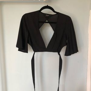 Cutout crop- ties around waist